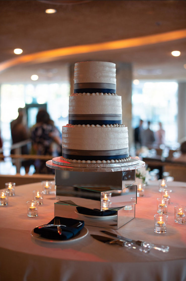 Aggies Bakery & Cake Shop Wedding Cake