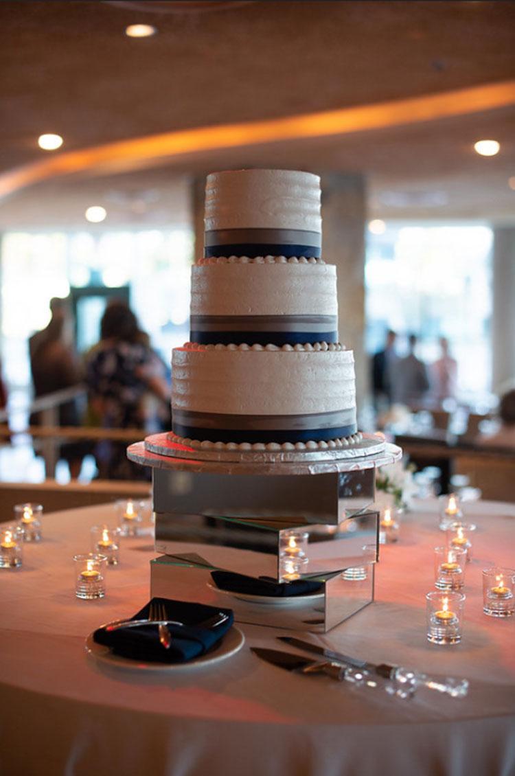 Aggies Bakery & Cake Shop Wedding Cake