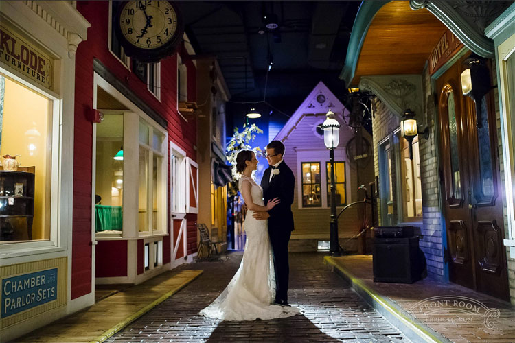 Bride and Groom Photoshoot in Streets of Old Milwaukee