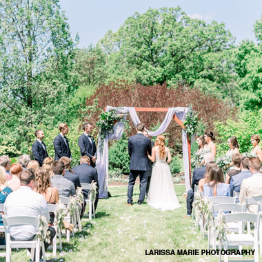 Outdoor wedding ceremony at Boerner Botanical Gardens